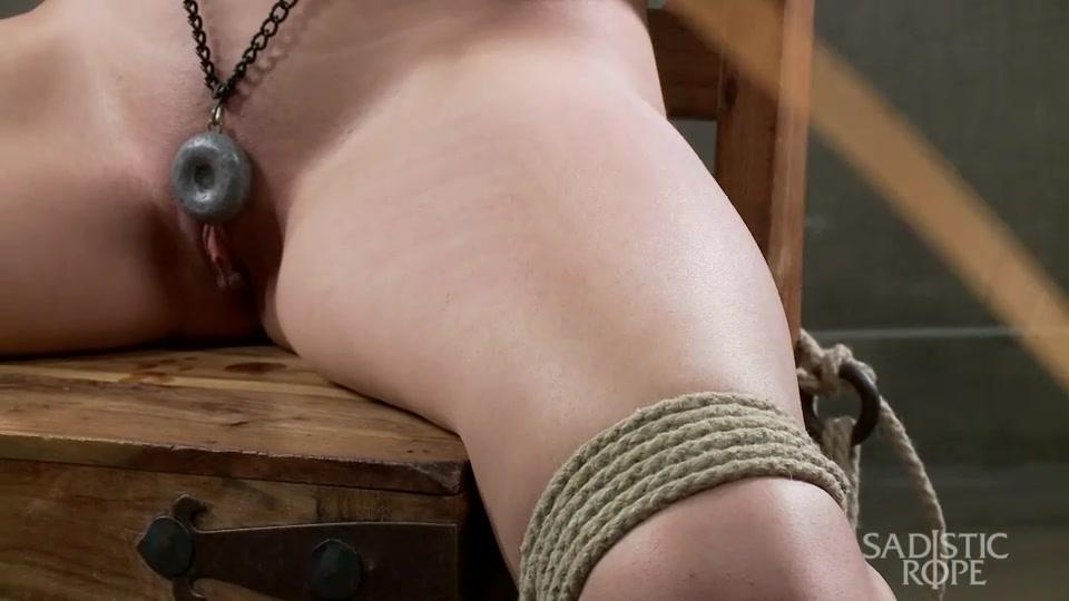 filmi-bdsm-s-amerikanskimi-akterami-pryatalsya-v-shkafu-druga-porno