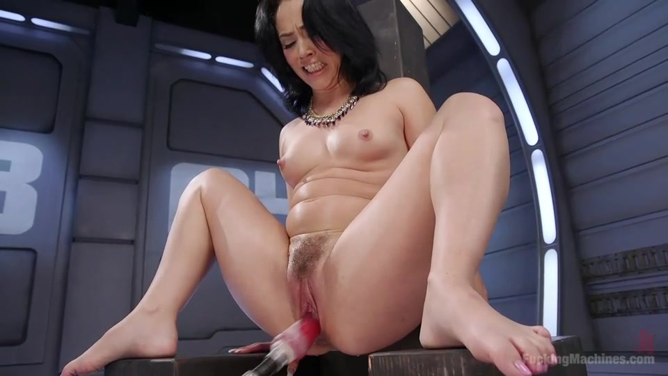 Huge Dildo Machine Squirt