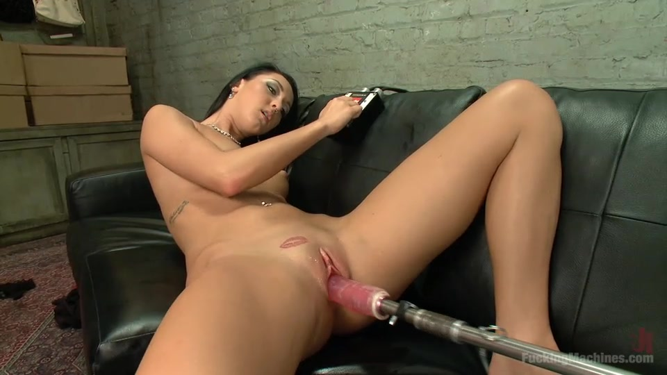 Deep Machine Fuck Squirt