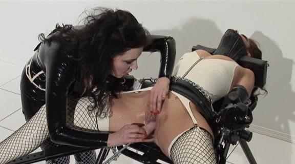 Послушная секс рабыня видео, секси микро бикини фото крупно