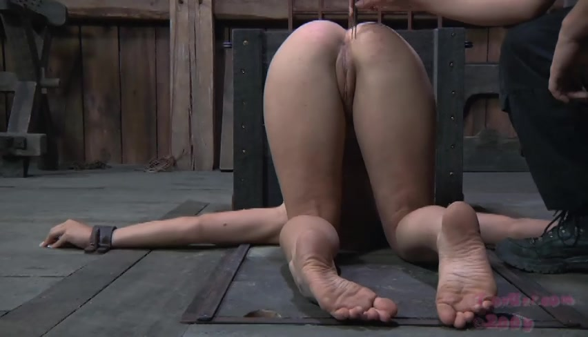 brutal-anal-girls