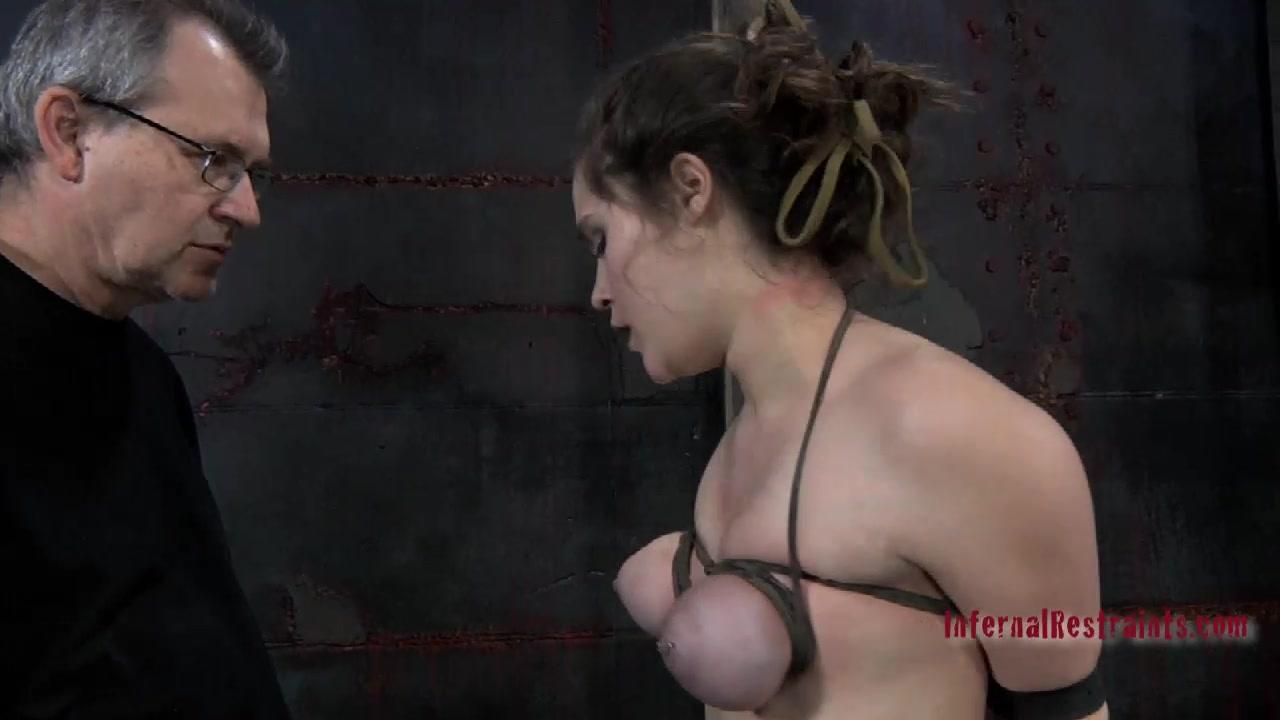 Оральныйсекс с расширителем рта онлайн