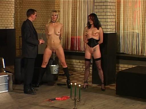 Жестокое секс с рабынями
