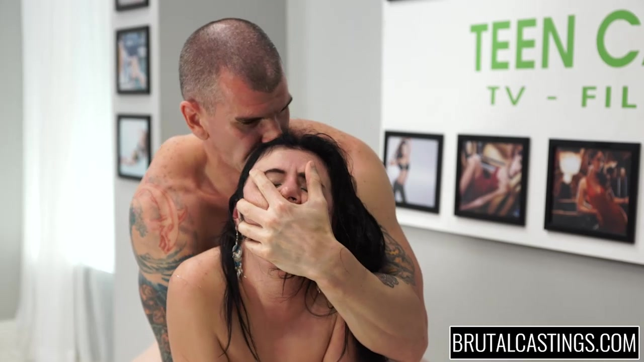 Brutal Fucking Of A Model Wannabe As She Screams Like A Bitch-7581